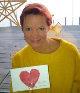 sichtart sammelt selfies für einen guten zweck für colourful children hearts, selfie mit herz