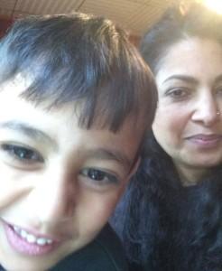 sichtart sammelt selfies für einen guten zweck für colourful children hearts, selfie zu zweit